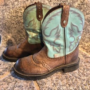 Justin Cowgirl boots size 6b